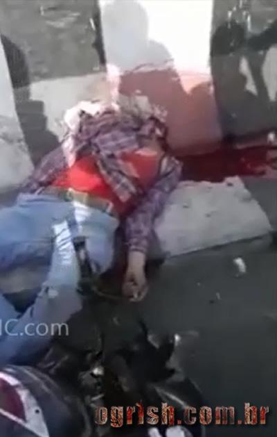 04-Homem é degolado em acidente de moto Ogrish-3