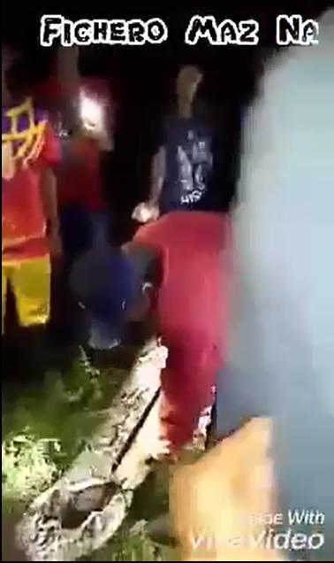 12-Corpo de mulher é encontrado dentro de uma cobra Ogrish-2