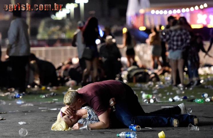 24-Massacre Las Vegas Momentos de pânico durante atentado em Lasvegas que matou 59 pessoas Ogrish.com.br-02